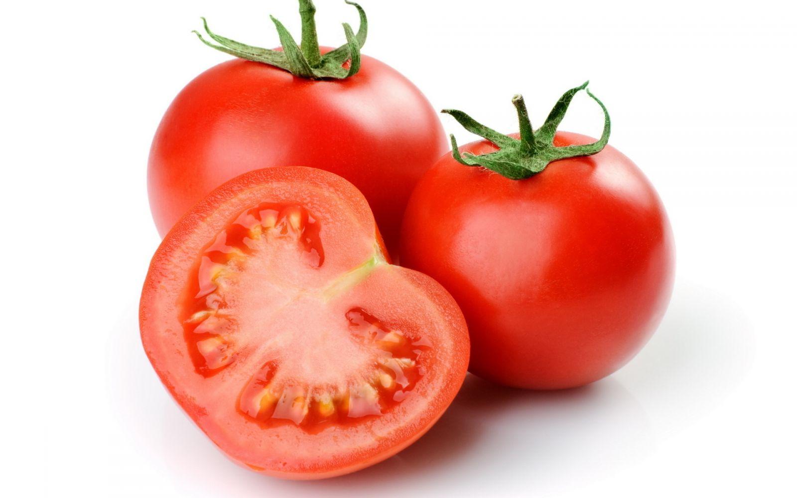 cà chua được coi là siêu thực phẩm tốt cho sức khỏe, da, tóc và dáng vóc của chị em