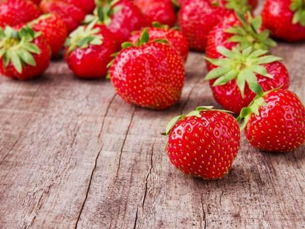 dâu tây - 20 loại trái cây trị bệnh mà bạn không ngờ tới