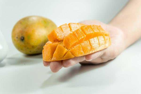 15 lợi ích tuyệt vời nếu ăn 1 quả xoài mỗi ngày